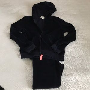 Velour sweatsuit for kids